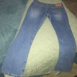 Levi's 12 Misses Relaxed Boot 33L  Beautiful Jeans